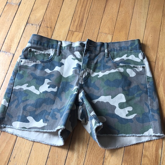 GAP Pants - Gap camo shorts NWOT